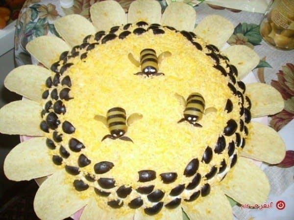 تزیین سالاد الویه مدل زنبور