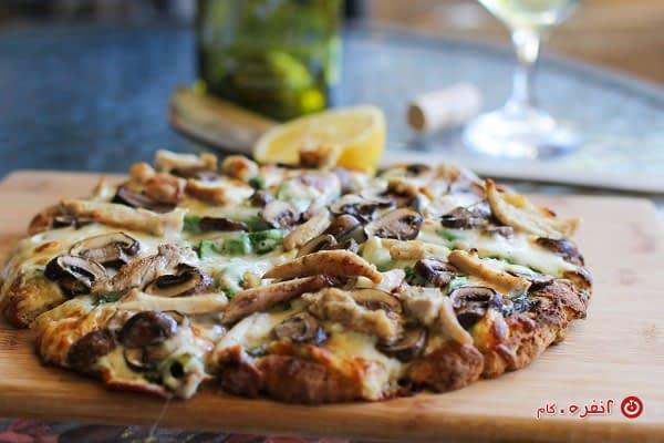 پیتزای مرغ و قارچ کشدار