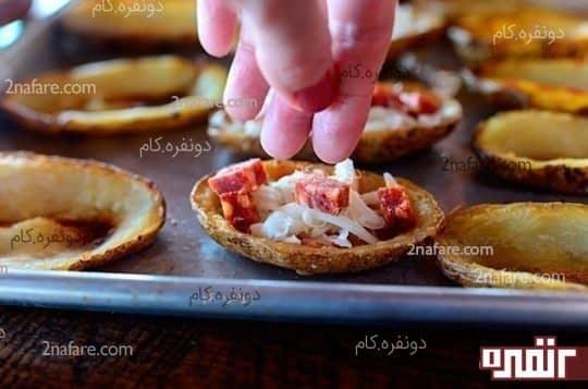 اضافه کردن پپرونی برای پیتزا