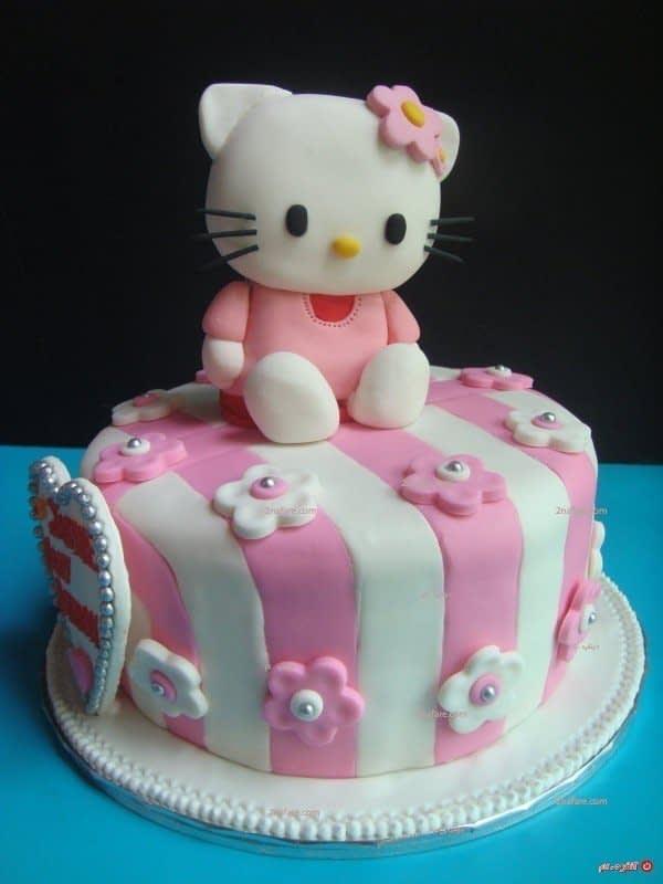 تزیین کیک کیتی با فوندانت