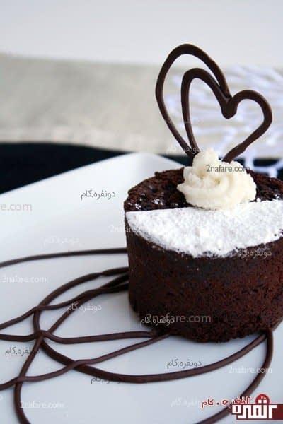 تزیین کیک و دسر با قلب شکلاتی