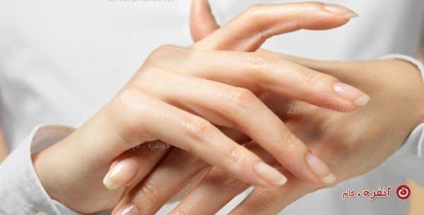 مراقبت از پوست خشک دست در زمستان