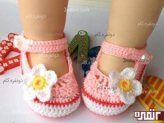 کفش بافتنی با طرح گل
