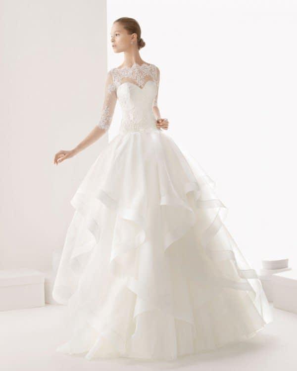 لباس عروس آستین بلند با دامن پفی
