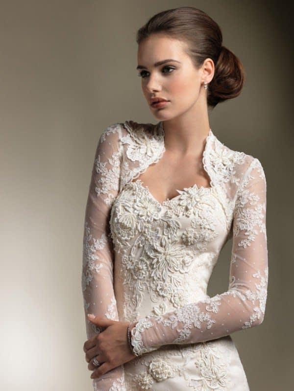 لباس عروس با کت آستین بلند دانتل