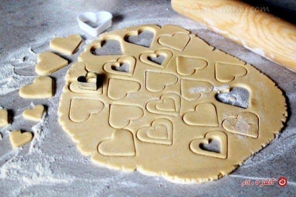 قالب زدن شیرینی مربایی