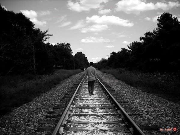 تنها در مسیر زندگی