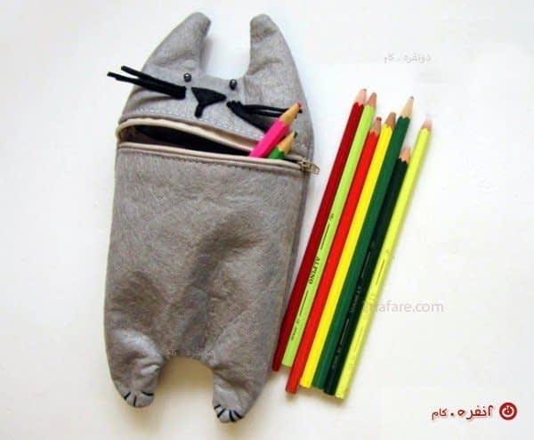 جامدادی گربه ای و مدادهای رنگی