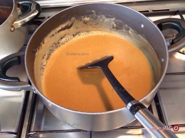 سرخ شدن آرد در روغن