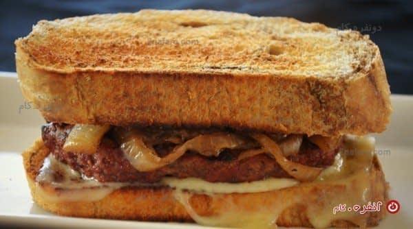 ساندویچ همبرگر گریل شده