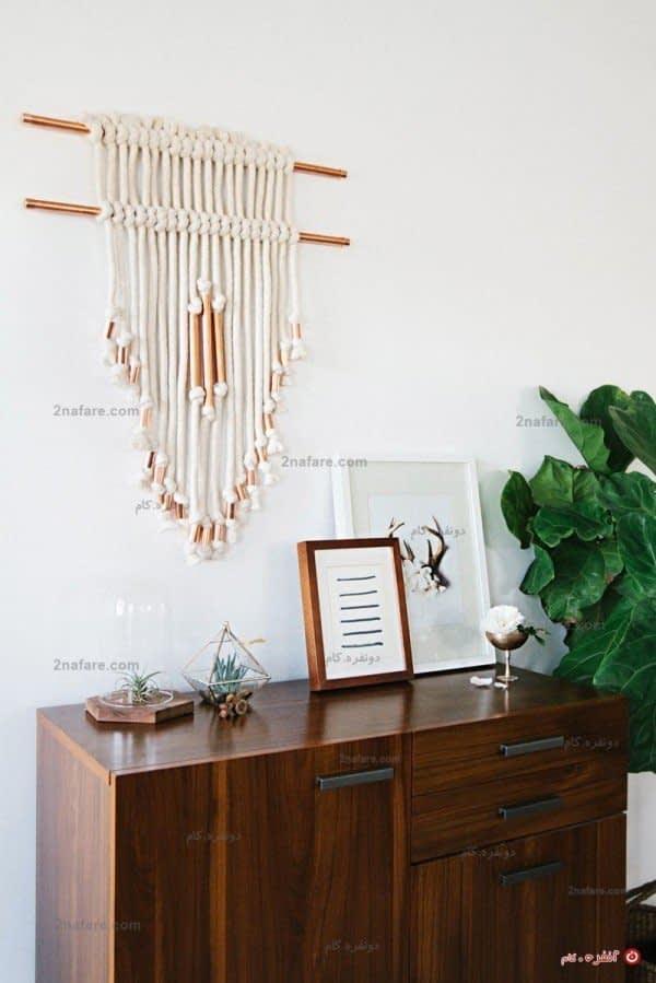 صنایع دستی محلی داخلی یا خارجی می تواند آویز دیواری مناسبی برای گوشه ای خالی باشد
