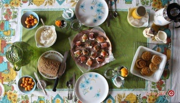 میز عصرانه ی خودمانی