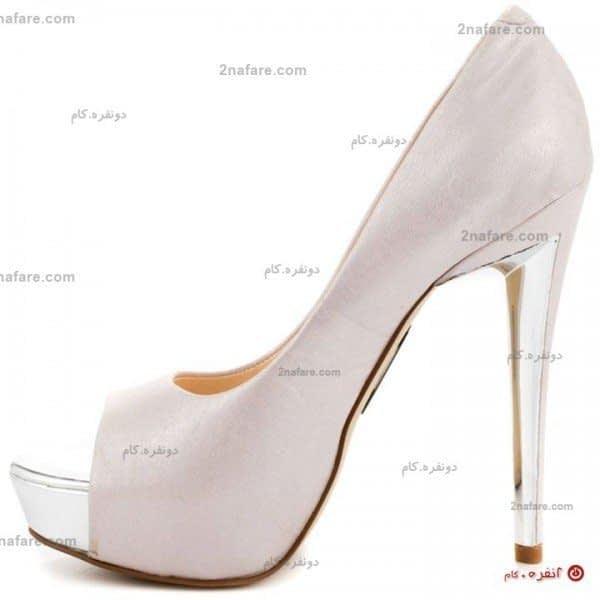 کفش عروس مدل گابریل با پاشنه ی ویژه و ظاهر ساده