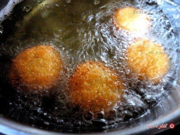 سرخ کردن قارچ سوخاری