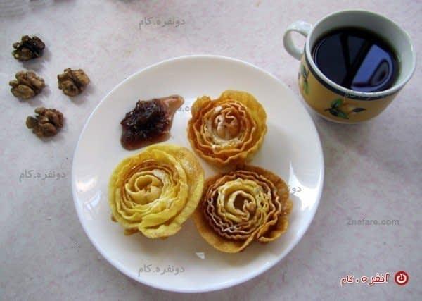طعم خوش شیرینی پنجره ای ، چای و مربای گل