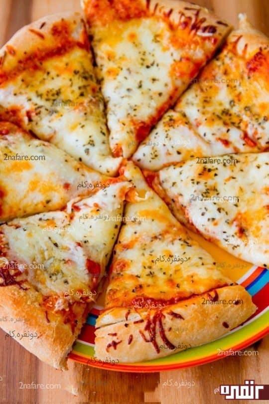 طرز تهیه پیتزا پر از پنیر