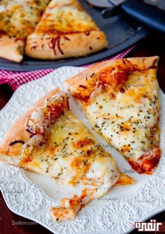 پیتزا پنیری برش خورده