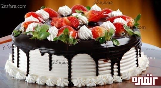تزیین کیک با میوه و خامه