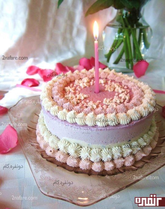 کیک خامه ای تولد