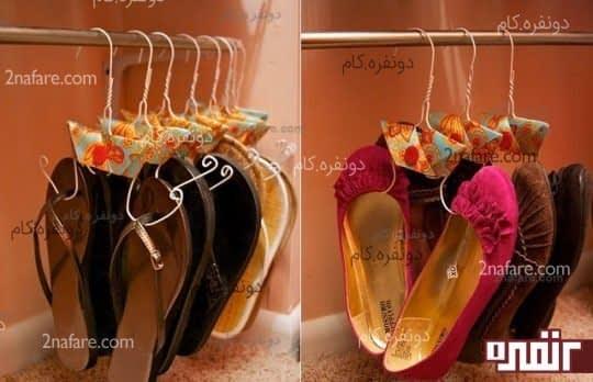با یک دم باریک و یک آویز لباس می توانید آویز کفش برای خودتان درست کنید