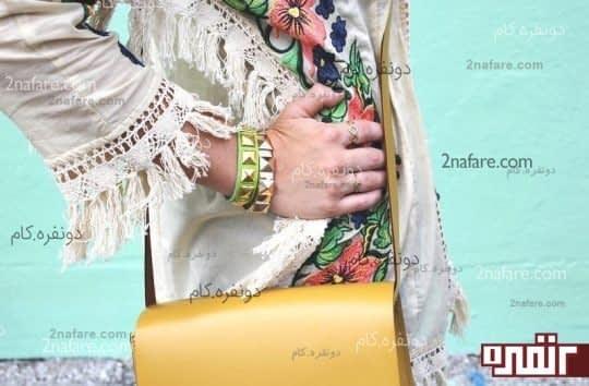 دستبند چرم و گل میخ در رنگ های مختلف