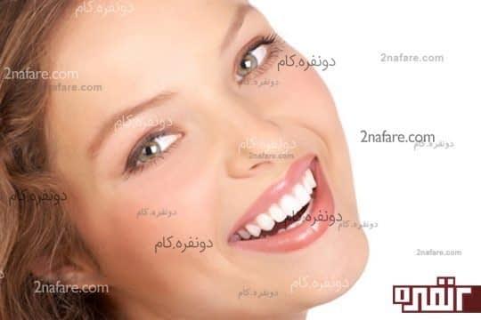 برای مشخص شدن خط گونه هایتان لبخند بزنید