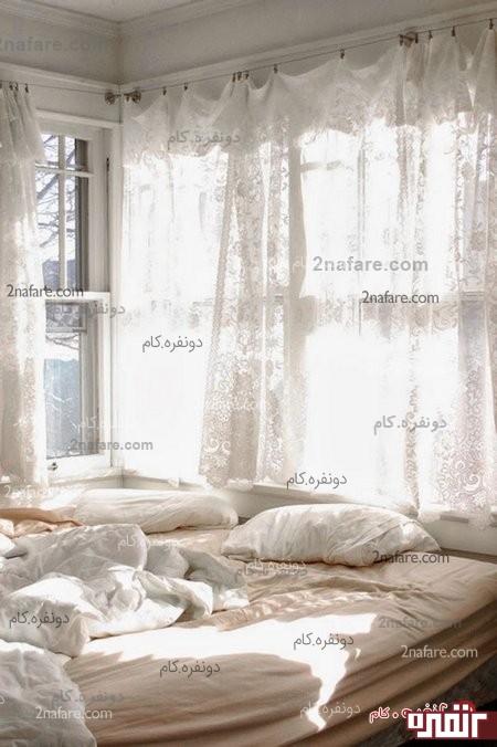 نور گیر و پرده در اتاق خواب کوچک