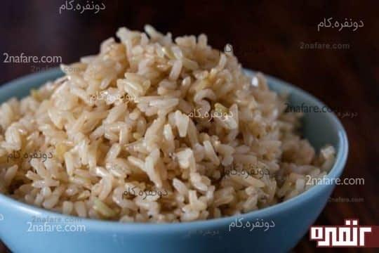 برنج قهوه ای سرشار از فیبر و مواد مغذی است