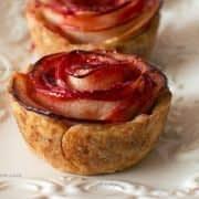 مینی تارت سیب به شکل گل رز