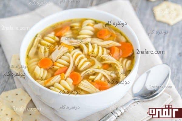 سوپ مرغ و نودل