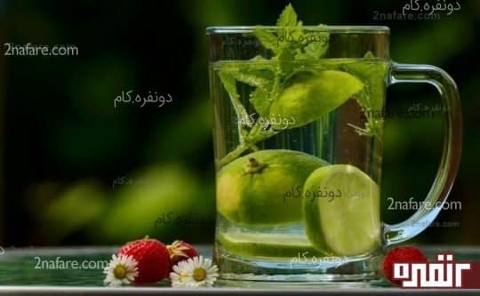 نوشیدن آب و کاهش سوءهاضمه و سوزش معده
