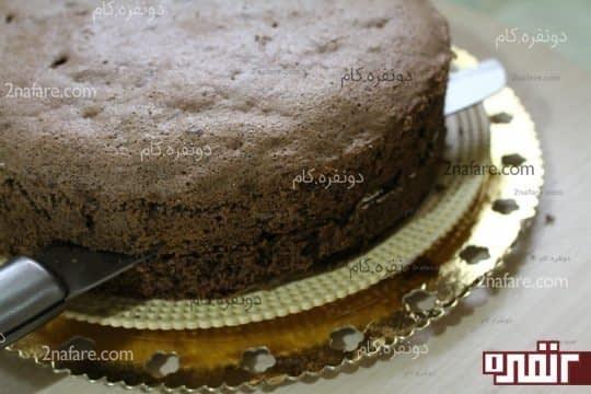 برش کیک به صورت افقی با اندازه های مساوی