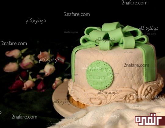 کیک فوندانت به شکل جعبه کادو