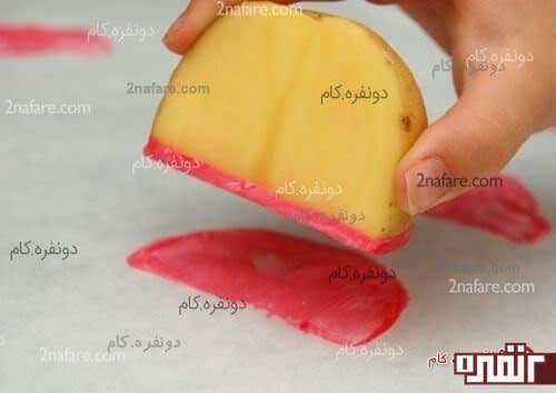 استفاده از سیب زمینی برای چاپ قاچ های هندوانه