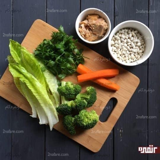 مواد لازم برای تهیه سالاد تن ماهی و لوبیا سفید