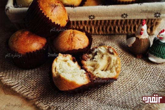 بافت داخل نان شیرمال کشمشی
