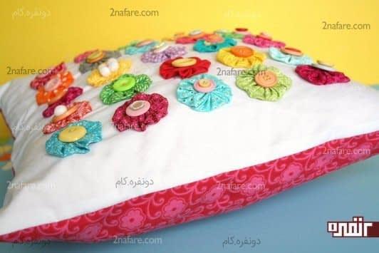 کوسن با گل های رنگارنگ و زیبا