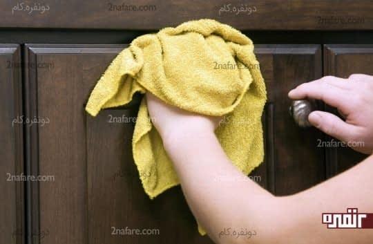 دیواره های کابینت رو تمیز کنید