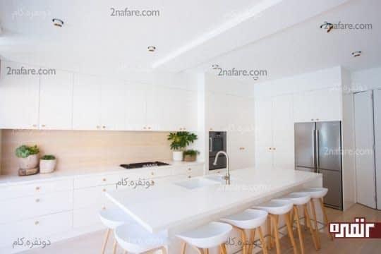 طراحی دیوار پشت کابینت ها در آشپزخانه های سفید