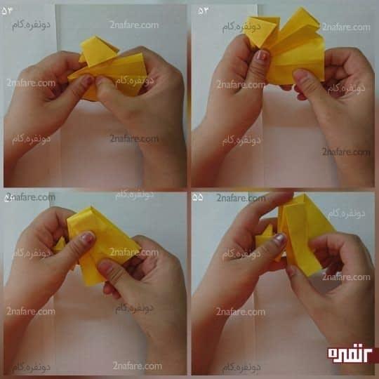برای بدن اردک که دو قسمت است و هر قسمت دو لایه دیگر دارد، لایه رویی ازقسمت اول را مانند شکل به سمت پایین تا کنید