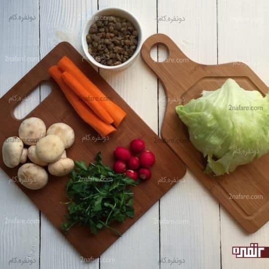 مواد لازم برای تهیه سالاد قارچ و عدس