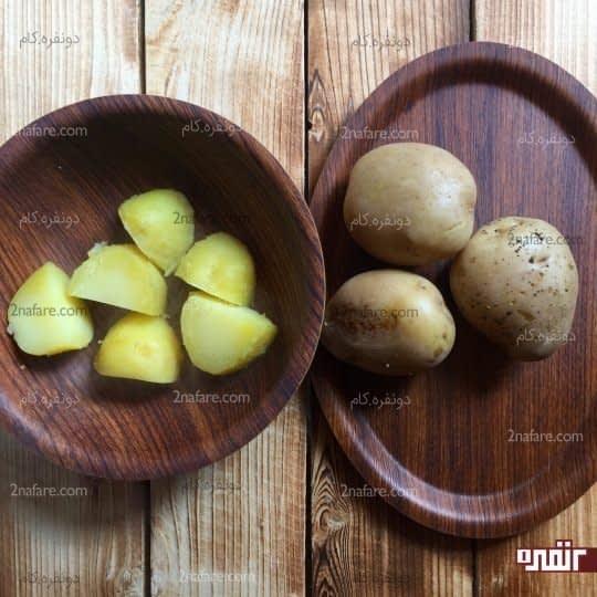خورد کردن سیب زمینی