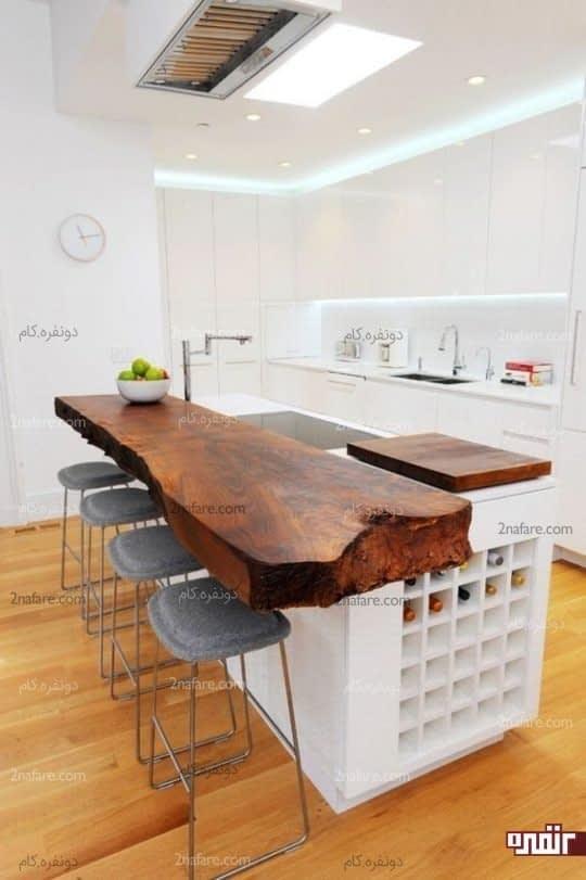 استفاده از پیشخوان چوبی و منحصر به فرد به عنوان میز غذاخوری