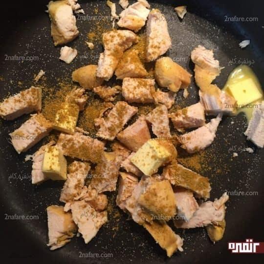 تقت دادن مرغ