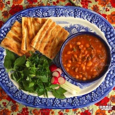 خوراک لوبیا چیتی و قارچ