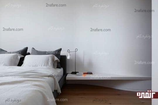 طراحی شلف دیواری بر اساس شکل دیوار و استفاده به عنوان پاتختی