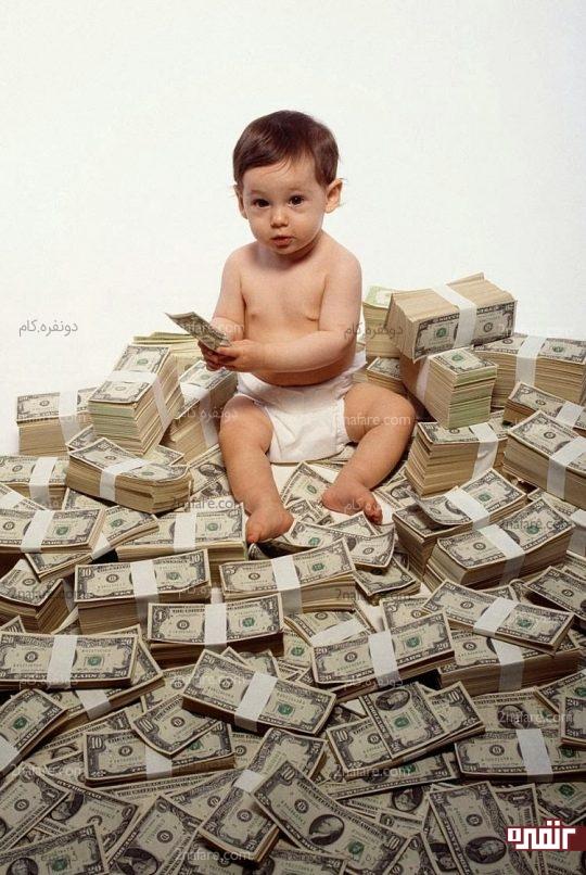 سپردن مقدار بیش از حد پول به بچه ها