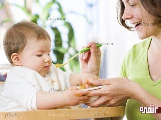 افزایش مهارت های حرکتی کودک و تمایل به غذا خوردن توسط خودش