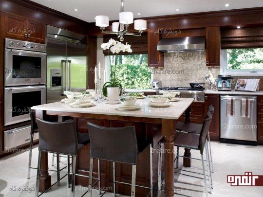 قرار دادن میز غذاخوری در آشپزخانه