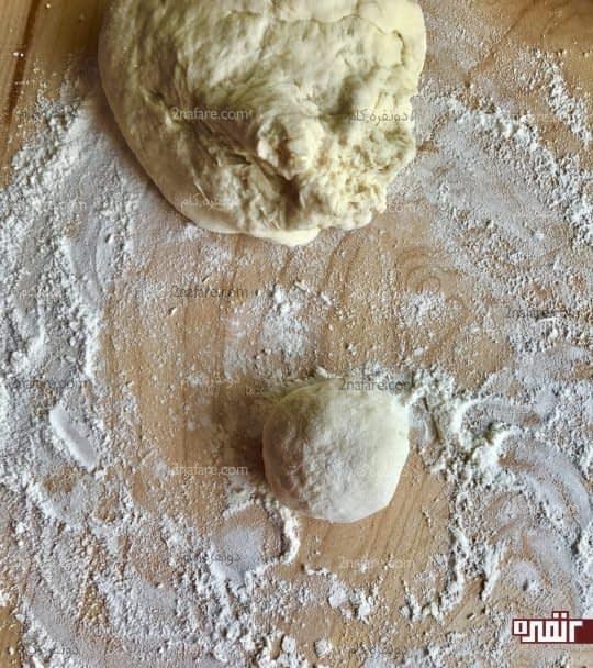 جدا کردن یه چونه انداز از خمیر